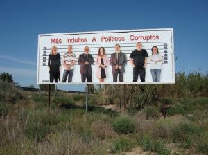 "Valla ""Mas Indultos A Politicos Corruptos"" de Cantabella"